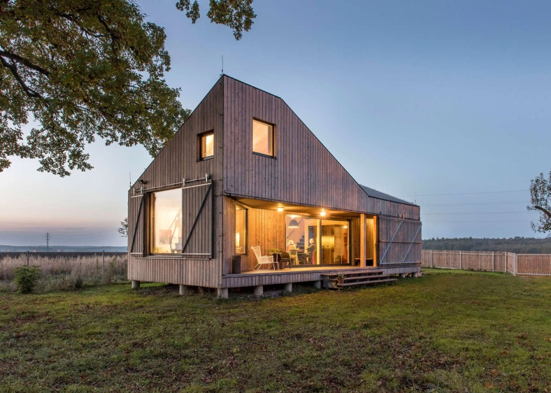 energy-efficient-wooden-house-zilvar-asgk-design-czech-republic-residential_dezeen_1568_0