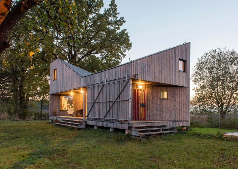 energy-efficient-wooden-house-zilvar-asgk-design-czech-republic-residential_dezeen_1568_12