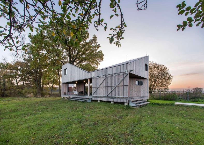 energy-efficient-wooden-house-zilvar-asgk-design-czech-republic-residential_dezeen_1568_13