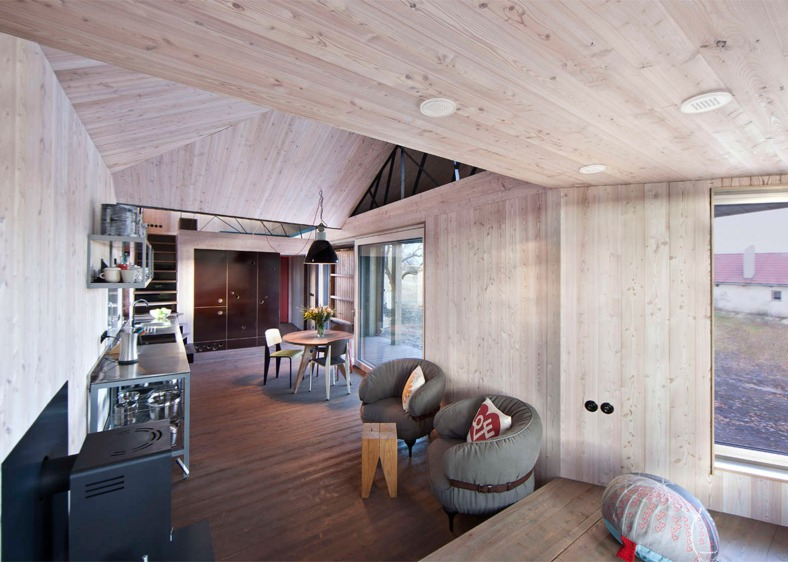 energy-efficient-wooden-house-zilvar-asgk-design-czech-republic-residential_dezeen_1568_4