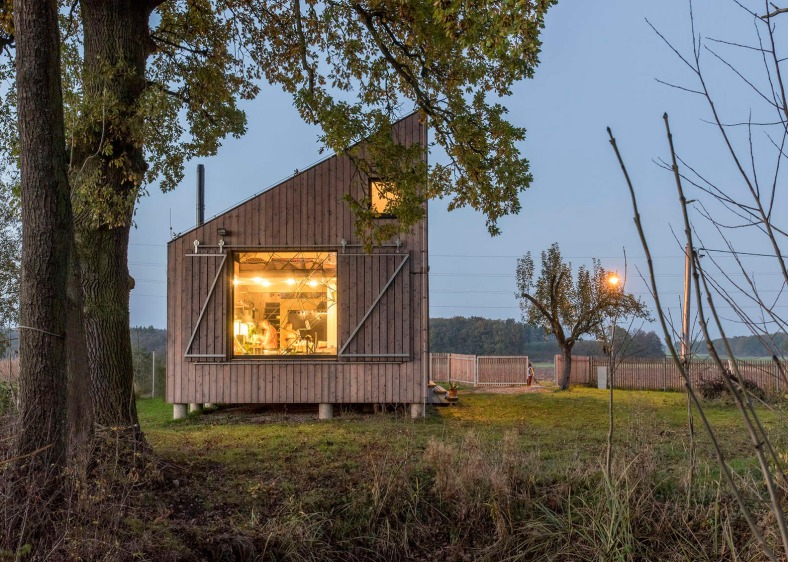 energy-efficient-wooden-house-zilvar-asgk-design-czech-republic-residential_dezeen_1568_5