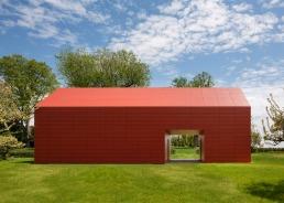 red-barn-roger-ferris_dezeen_1568_3-1
