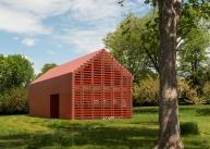 red-barn-roger-ferris_dezeen_1568_7-1